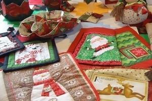 Tenemos un amplio surtido de telas de navidad específicas para el patchwork.
